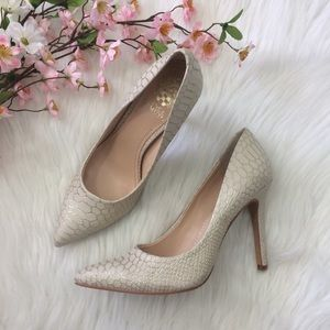 "Vince Camino | ""Kain"" Cream Pointy Heels  Size 8.5"